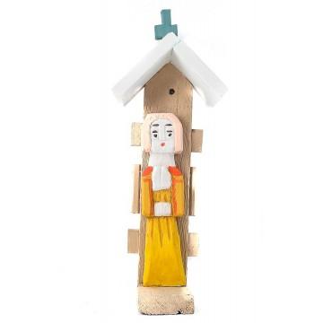 rzeźba ludowego świątka purty w żółtej sukience