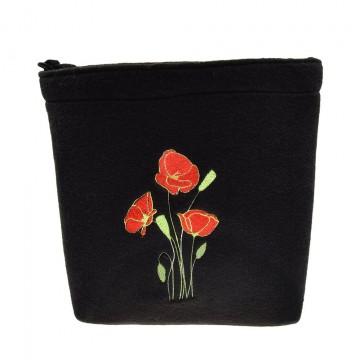 filcowa torebka listonoszka z ludowym haftem maki