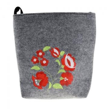 filcowa torba z ludowym haftem kwiatów polnych