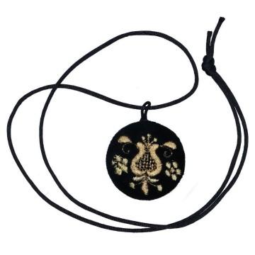 folkowy wisiorek z haftem kaszubskim złotnica