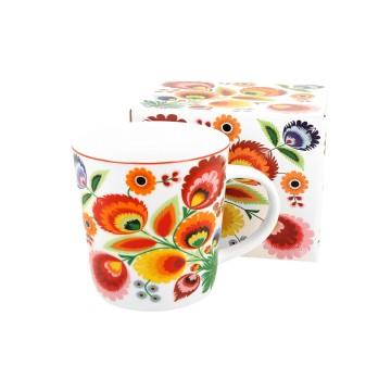 kubek latte z łowickimi kwiatami