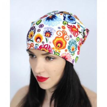 czapka w ludowe kwiaty biała