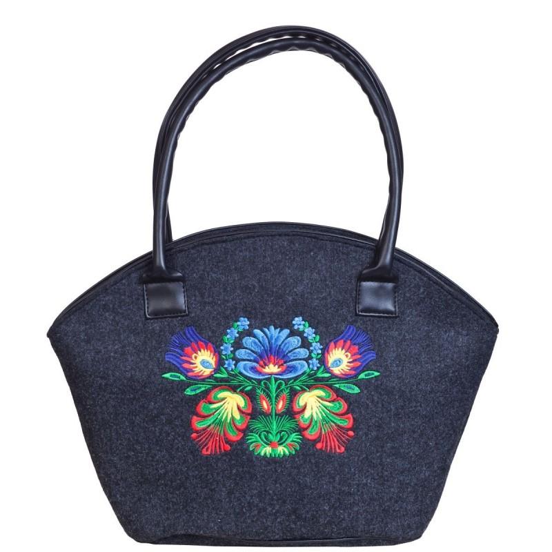 Filcowy koszyk z haftem ludowe kwiaty