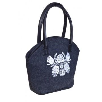 Filcowa torba koszyk z haftem białe kwiaty