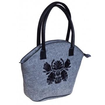 Filcowa torba koszyk z haftem kwiaty czarne