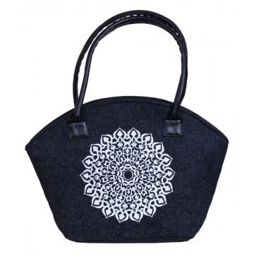 Filcowa torba koszyk z haftem wycinanka biała
