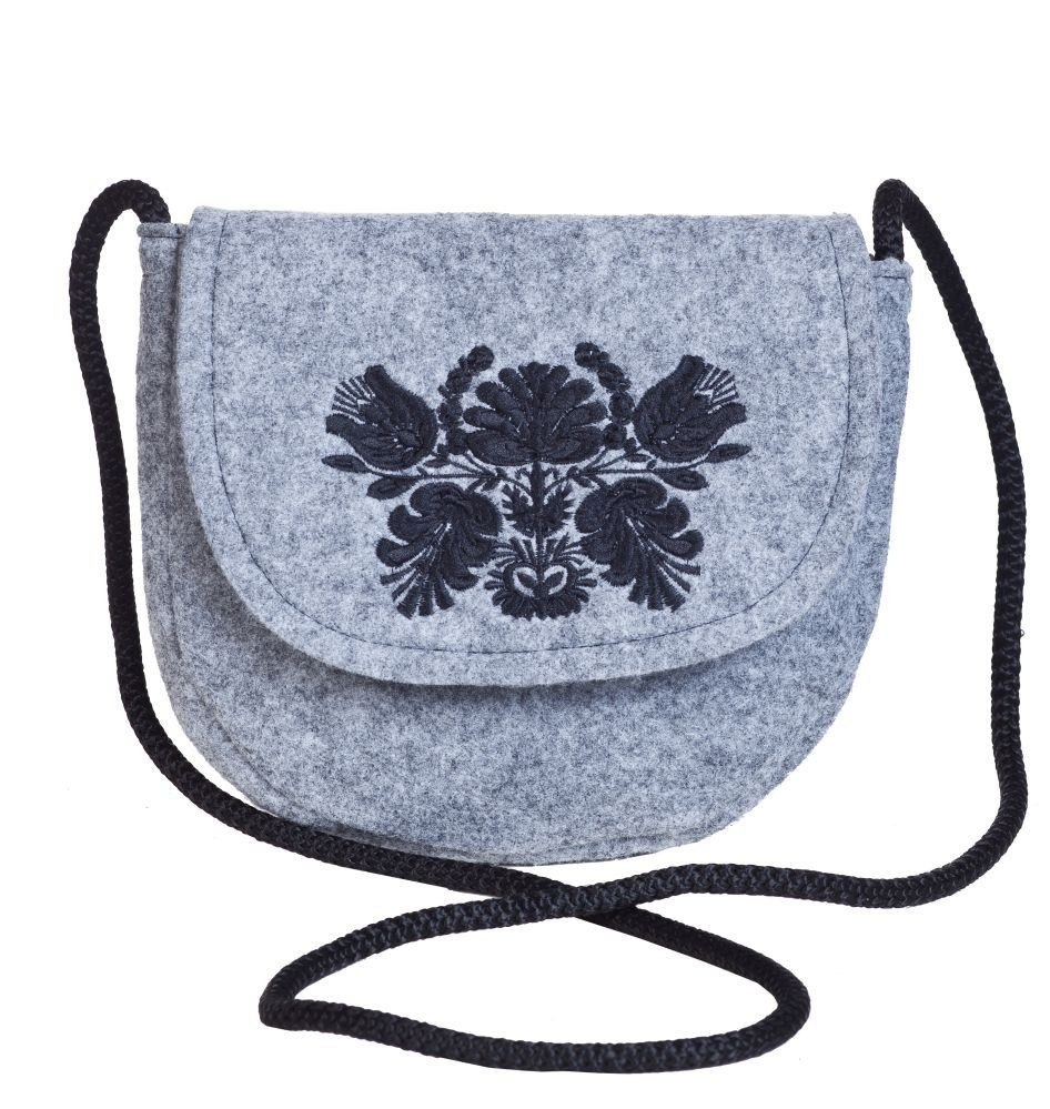 20516b198d070 Filcowa torebka podkowa czarny haft ...