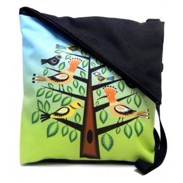 Listonoszka dudki na drzewie