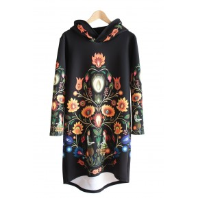 Sukienka z kapturem black folklor