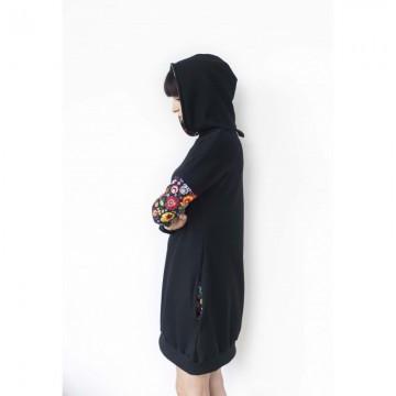 Folk sukienka czarna z kapturem