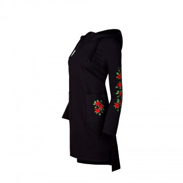 Sukienka z haftem róże