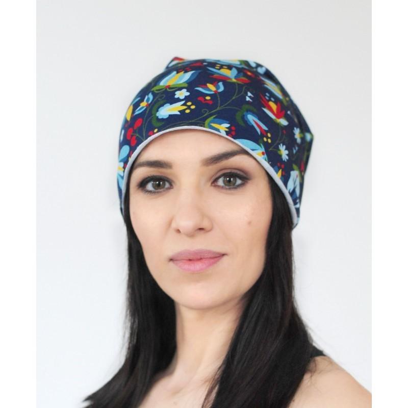 Kokofolk - folkowa czapka z motywem inspirowanym kaszubskim haftem. Ludowy dodatek do ubrania