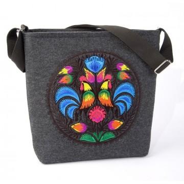 Filcowa  torba z haftem ludowy kogut ciemna