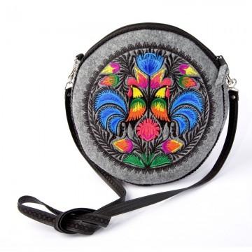 torebka okrągła z haftem koguty