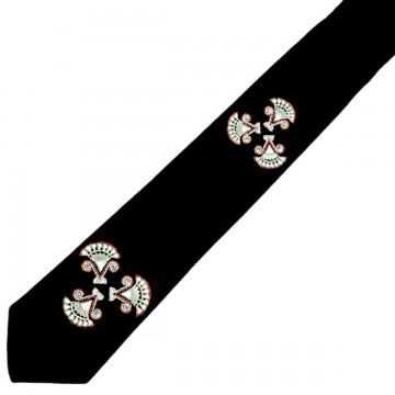 Folkowy krawat z haftem kurpiwskim