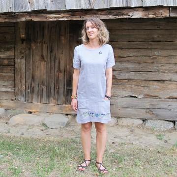 Lniana sukienka kaszubska z haftem