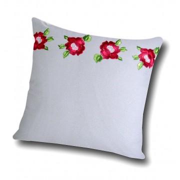 Haftowana poduszka z motywem róż w szarej tonacji