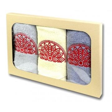 Ręczniki z haftem kurpiowskim
