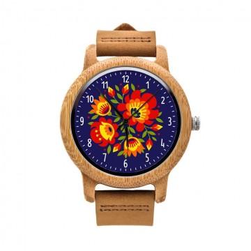 drewniany zegarek na rękę kwiaty ludowe na granatowym tle