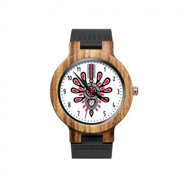folkowy drewniany zegarek z wzorem ludowej parzenicy